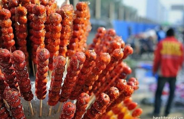 """Kẹo hồ lô: Món ăn đường phố """"ngon, bổ, rẻ"""" của Trung Quốc"""
