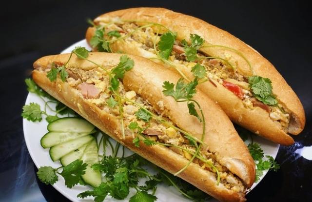 5 phiên bản bánh mì đặc sản thơm ngon của ẩm thực Việt Nam