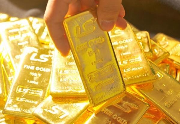 Giá vàng hôm nay 15/3: Vàng bị bán tháo, tuột dốc vì Covid-19