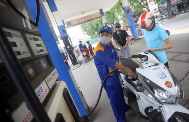 """Từ chiều nay (2/7), giá xăng, dầu đồng loạt """"tăng mạnh"""" sau 3 kỳ """"giảm nhẹ"""" liên tiếp"""