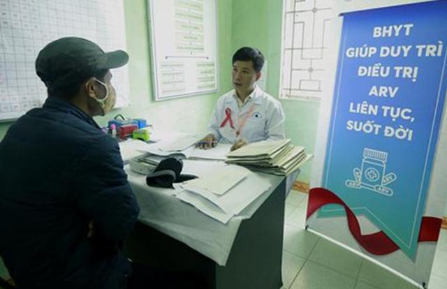 Hơn 40.000 bệnh nhân nhiễm HIV/AIDS điều trị thuốc ARV từ bảo hiểm y tế