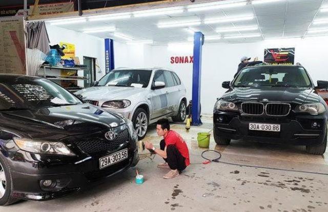 Dịch vụ 'làm đẹp' cho xe ô tô dịp gần Tết hốt bội tiền