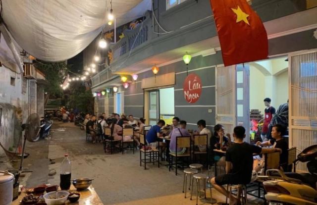 Hà Nội: Yêu cầu quán lẩu chiếm lối đi chung tạm dừng hoạt động kinh doanh