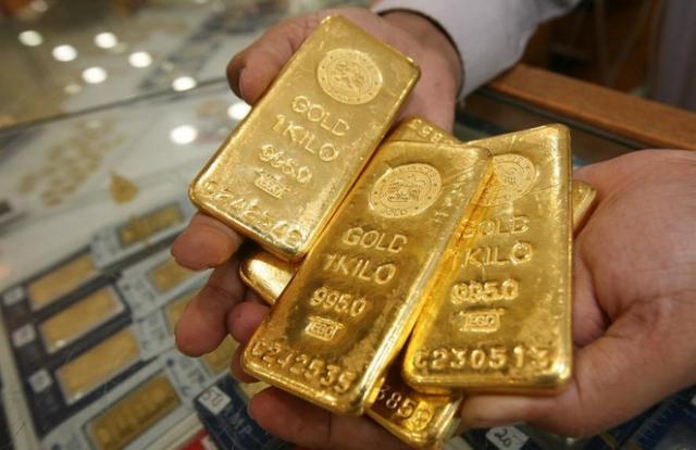 Giá vàng hôm nay 24/3: Trong nước tăng, thế giới giảm