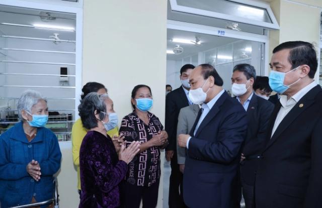 Thủ tướng Nguyễn Xuân Phúc thăm và tặng quà Tết tại Trung tâm Bảo trợ xã hội tỉnh Quảng Nam