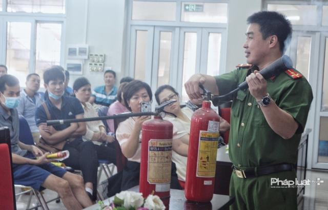 Phường Cống Vị tổ chức tập huấn PCCC&CNCH cho nhân dân trên địa bàn