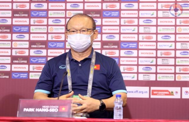 """HLV Park Hang Seo: """"Các cầu thủ sẽ chơi lạnh lùng trước Malaysia"""""""