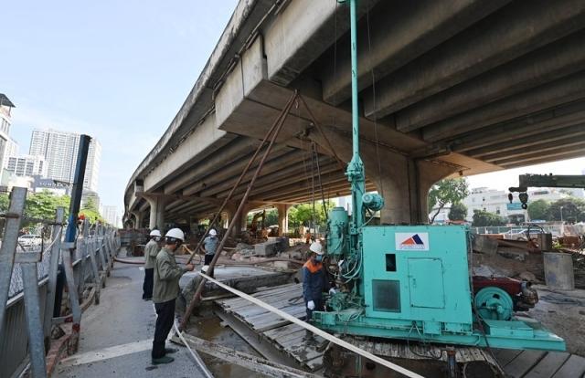 Hà Nội cho phép 30 công trình cấp bách tiếp tục thi công trong thời gian giãn cách