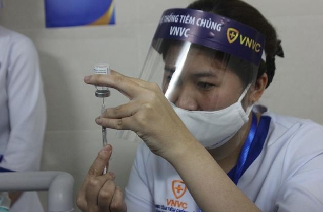 Bộ Y tế yêu cầu tiêm chủng vắc xin COVID-19 hoàn thành vào 5/5