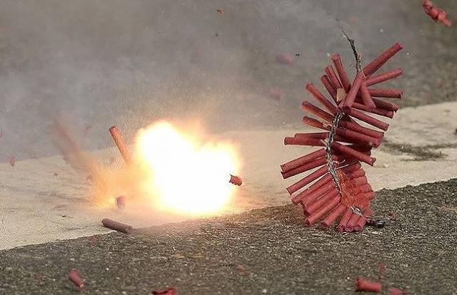 TP HCM: Đốt pháo hoa nổ, người đàn ông bị xử phạt hành chính
