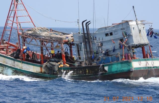 Truy đuổi, bắt giữ tàu cá vi phạm IUU trên vùng biển Tây Nam
