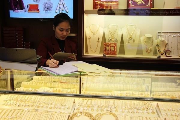 Giá vàng ngày 8/4: Vàng đảo chiều tăng 100 nghìn đồng/lượng