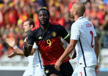 Ghi 2 bàn trong 3 phút, Bỉ vất vả thắng ngược Na Uy
