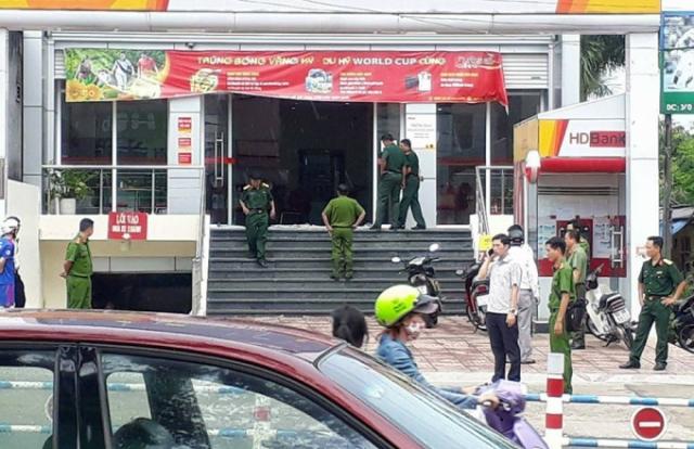 Nam thanh niên dùng bom tự chế cướp tiền ngân hàng