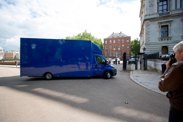 Thủ tướng David Cameron chính thức rời số 10 Downing