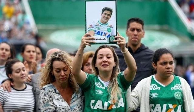 Bắt giữ ông chủ của hãng hàng không chở đội bóng Brazil gặp nạn