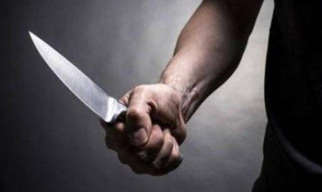 Dùng dao đâm nhiều nhát vào bụng sau khi truy sát nữ đồng nghiệp
