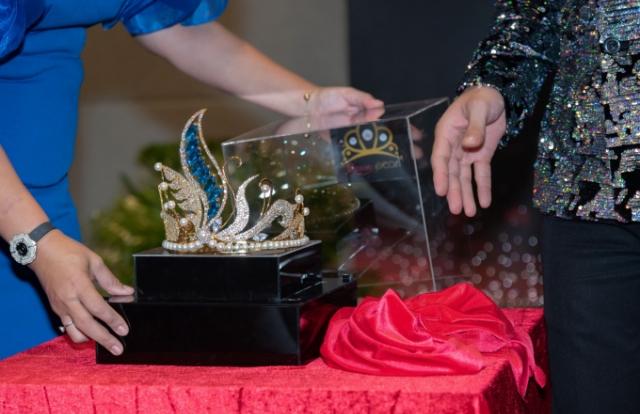 Trình làng Vương miện Hoa hậu Đại dương Doanh nhân quốc tế trị giá 2 tỉ đồng
