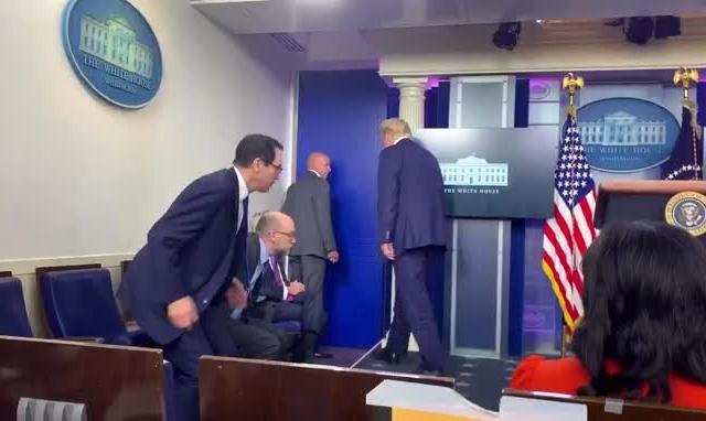 Nổ súng bên ngoài Nhà Trắng, Tổng thống Trump được hộ tống rời họp báo