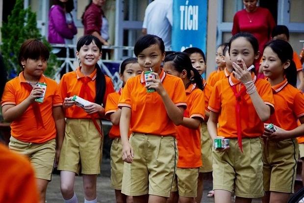 """Tưng bừng các hoạt động vì """"Niềm vui uống sữa ở trường"""" nhân dịp 1/6"""