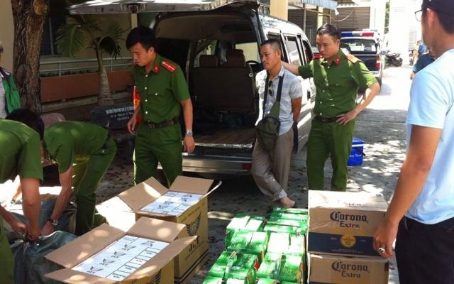 Đà Nẵng: Tạm giữ 2 đối tượng vận chuyển gần 5.000 bao thuốc lá lậu