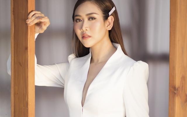 Á hậu Trúc Ny tung bộ ảnh đẹp như nữ thần khiến người xem không khỏi