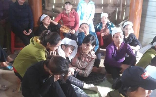 Hà Tĩnh: Xót xa nữ sinh bỏ thi về lo đám tang cho bố