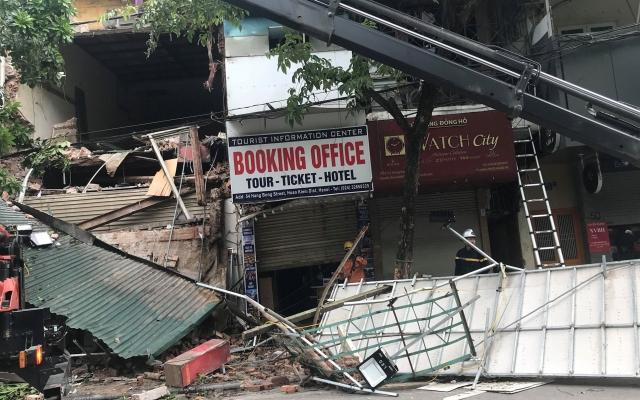 VIDEO - Tin mới nhất vụ sập nhà số 56 Hàng Bông