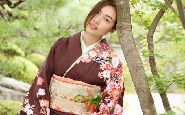 Á hậu Lệ Hằng diện kimono dạo phố cổ Tokyo