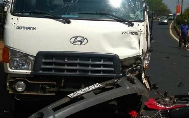 Đắk Nông: Va chạm với xe tải, 2 người thương vong