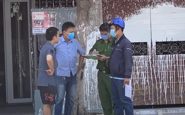 """TP HCM: 3 nhà dân ở Bình Chánh bị """"khủng bố"""" bằng sơn"""