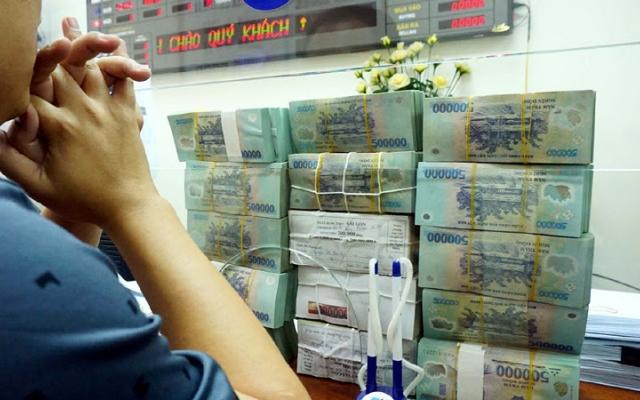 Chuyện ông lớn xổ số gửi tiền vào ngân hàng: Lãi ít - lãi nhiều