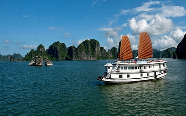 Mở cửa thăm quan Vịnh Hạ Long và một số địa điểm du lịch trên địa bàn tỉnh Quảng Ninh