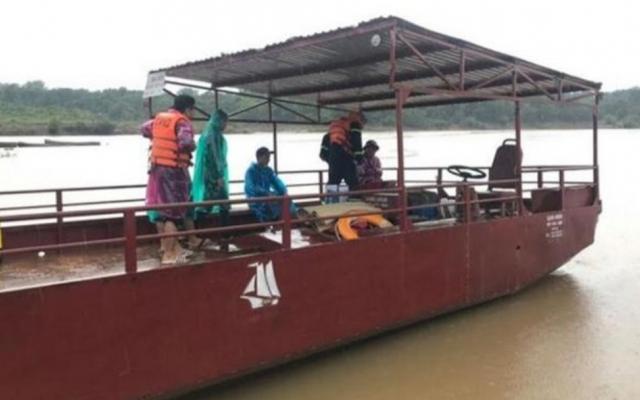 Gia Lai: Qua sông Sê San đi làm rẫy thuyền bị lật, 1 người mất tích, 3 người thoát nạn