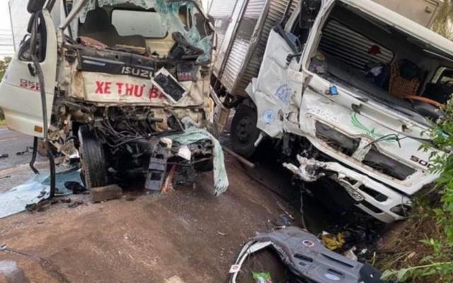 Gia Lai: Hai xe tải đấu đầu, một người tử vong