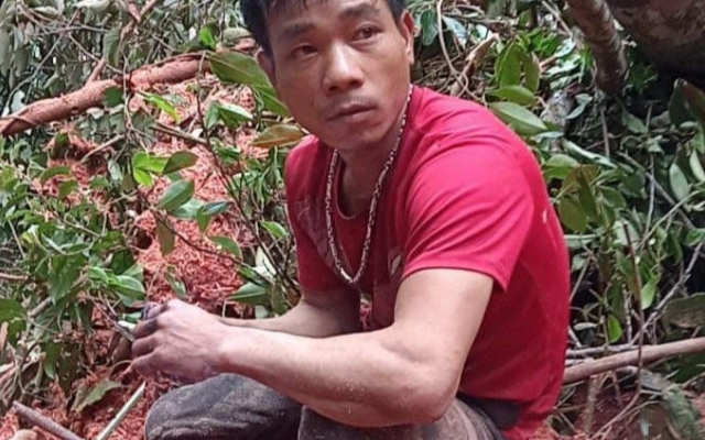 Đắk Lắk: Hai đối tượng rủ nhau vào rừng khai thác gỗ trái phép, bán kiếm tiền tiêu Tết