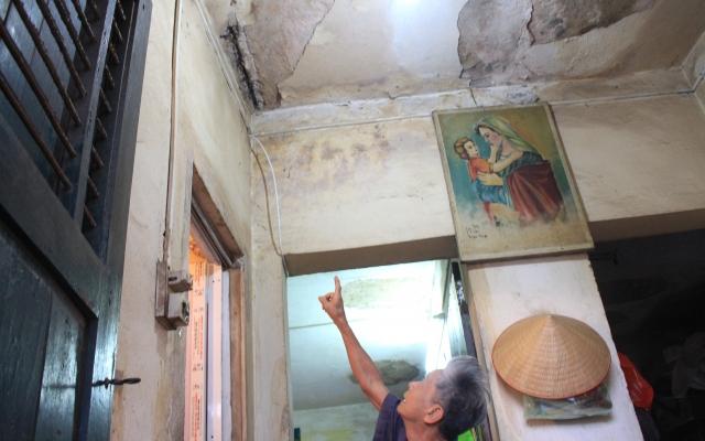 Bản tin Địa ốc Plus: Cư dân sống ở chung cư cũ - Bán không được giá, ở thì khổ trăm bề