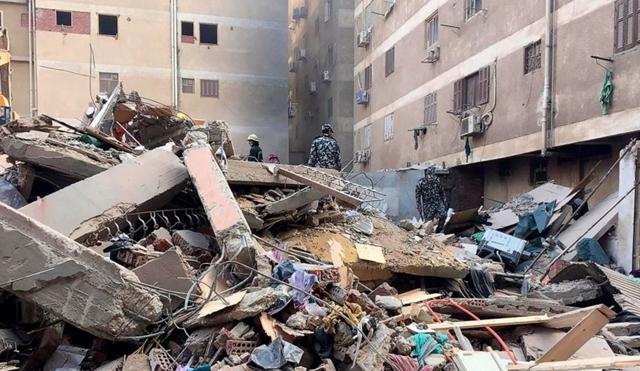 Sập chung cư 9 tầng xây trái phép, ít nhất 8 người thiệt mạng