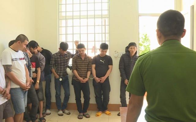 Đắk Lắk: Bắt nhóm đối tượng chia nhỏ ma túy bán cho các con nghiện