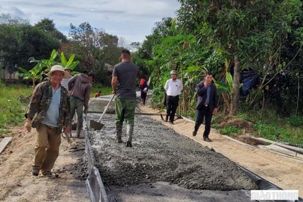 Đắk Nông: Những con đường giao thông được nối dài… nhờ sức dân
