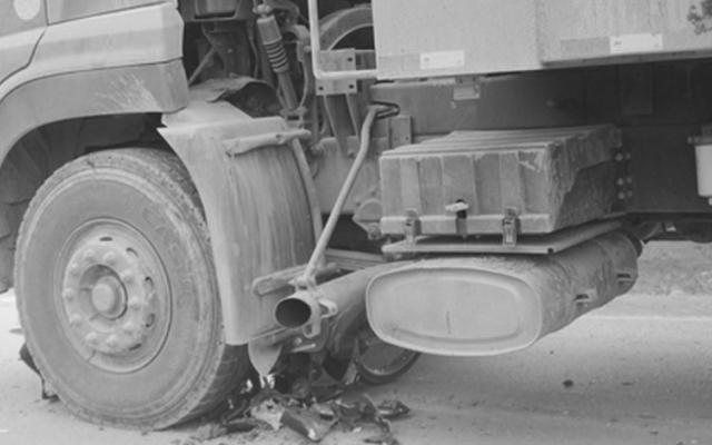 Hà Giang: Chui xuống gầm sửa xe, người đàn ông bị ô tô lăn qua tử vong