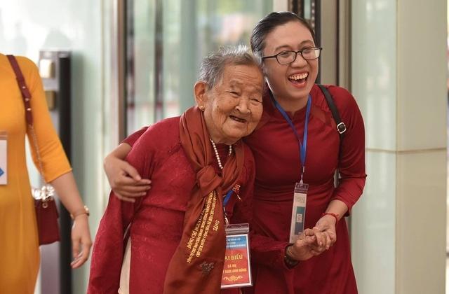 Tôn vinh 300 mẹ Việt Nam anh hùng tiêu biểu toàn quốc