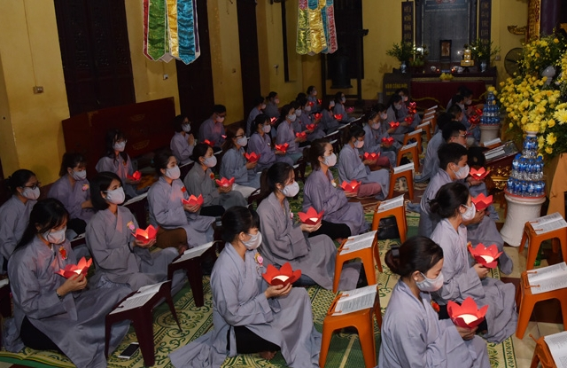 Câu lạc bộ thanh thiếu niên Phật tử Quán Sứ tổ chức lễ Vu Lan Báo hiếu.