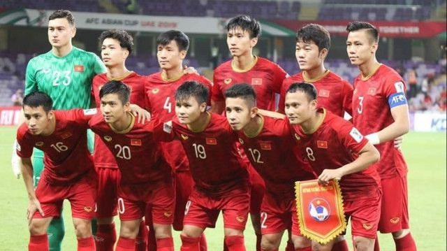 Đội tuyển Việt Nam thời HLV Park Hang Seo là chuyên gia đá… sân trung lập
