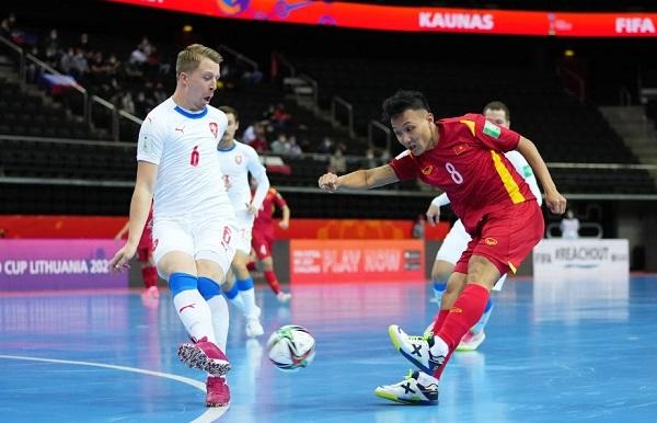 Hoà Cộng hoà Séc nghẹt thở, Đội tuyển Futsal Việt Nam dành vé vào vòng 1/8 World Cup