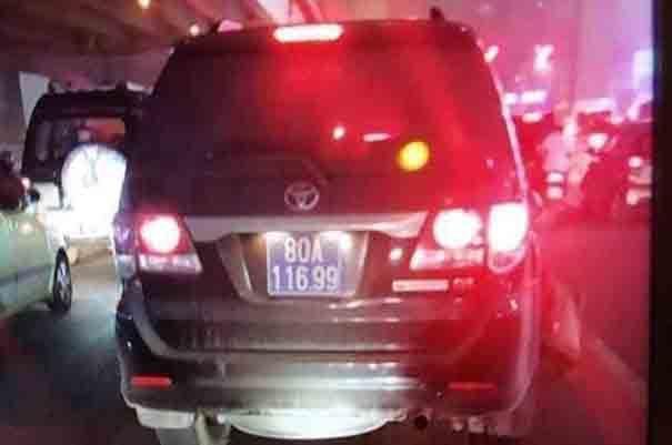 Thượng sỹ công an lái xe 80A gây tai nạn rồi bỏ chạy