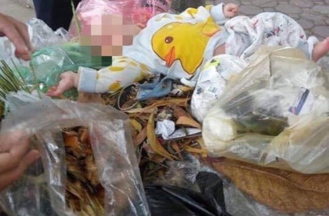 Hà Nội: Phát hiện bé trai khoảng 4 tháng tuổi bị bỏ rơi ở thùng rác