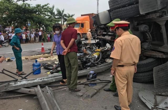 Cận cảnh hiện trường vụ tai nạn thảm khốc khiến 6 người tử vong