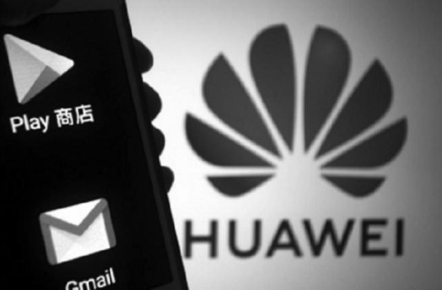 """Google ra đòn bất ngờ khiến điện thoại Huawei như """"chết não"""""""