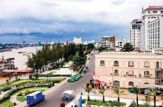 """TAND quận Ninh Kiều thụ lý và đưa ra xét xử vụ án """"Tranh chấp hợp đồng lao động"""" đúng pháp luật"""